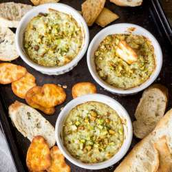 5-Ingredient-Pesto-Artichoke-Dip