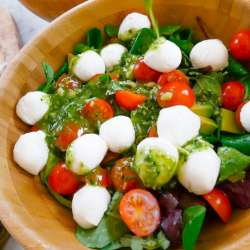 Caprese-Salad-with-Pesto-Dressing