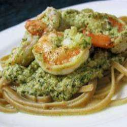 Creamy-Pesto-Prawn-Linguin
