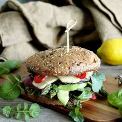Grilled-Portobello-Burger-with-Asparagus