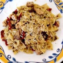 Pesto-and-sun-dried-tomato-chicken-pasta