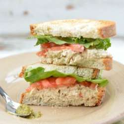 QUICK-AND-EASY-TUNA-PESTO-SANDWICH