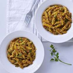 Roasted-red-pepper-&-parsley-pesto-with-penne