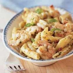 Shrimp-and-Pasta-with-Creamy-Pesto-Sauce