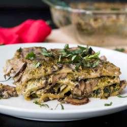 Spinach-Pesto-Lasagna-with-Creamy-Mushroom-Sauce-(Vegan)