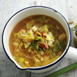 Spring-minestrone-soup-with-pesto