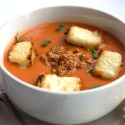 Tomato-Pesto-Soup-with-Cheesy-Croutons