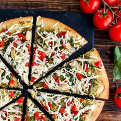 Vegan-Mediterranean-Pesto-Pizza