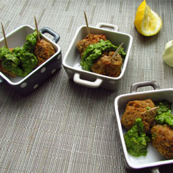 Vegetarian-Lentil-and-Chickpea-Meatballs-with-Lemon-Pesto