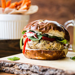 Pesto-Bean-Burgers-with-Roasted-Peppers-and-Carrot-Fries