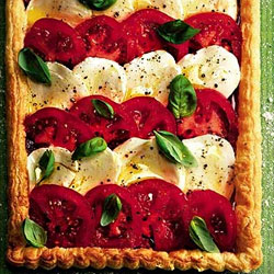 Tomato-&-Mozzarella-Tart-With-Roast-Pepper-Pesto