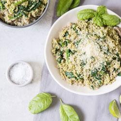 Easy-Quinoa-with-Pesto-and-Spinach