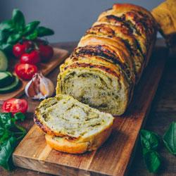 Pesto-Twist-Bread