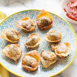 Pesto-Caprese-Fried-Wontons